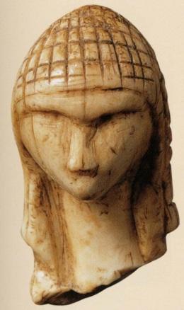 27000-BC_Venus-of-Brassempouy-fragment de statuette en ivoire de mammouth-la plus ancienne représentation d'un visage humain