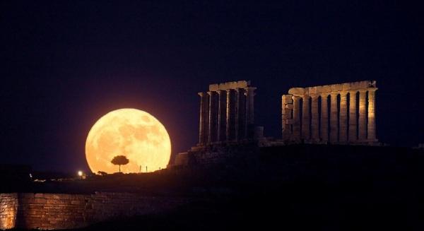 Temple of Poseidon-Moon